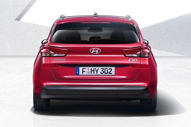 Hyundai i30 Tourer 2017 với cốp siêu rộng trình làng sớm - Ảnh 5.