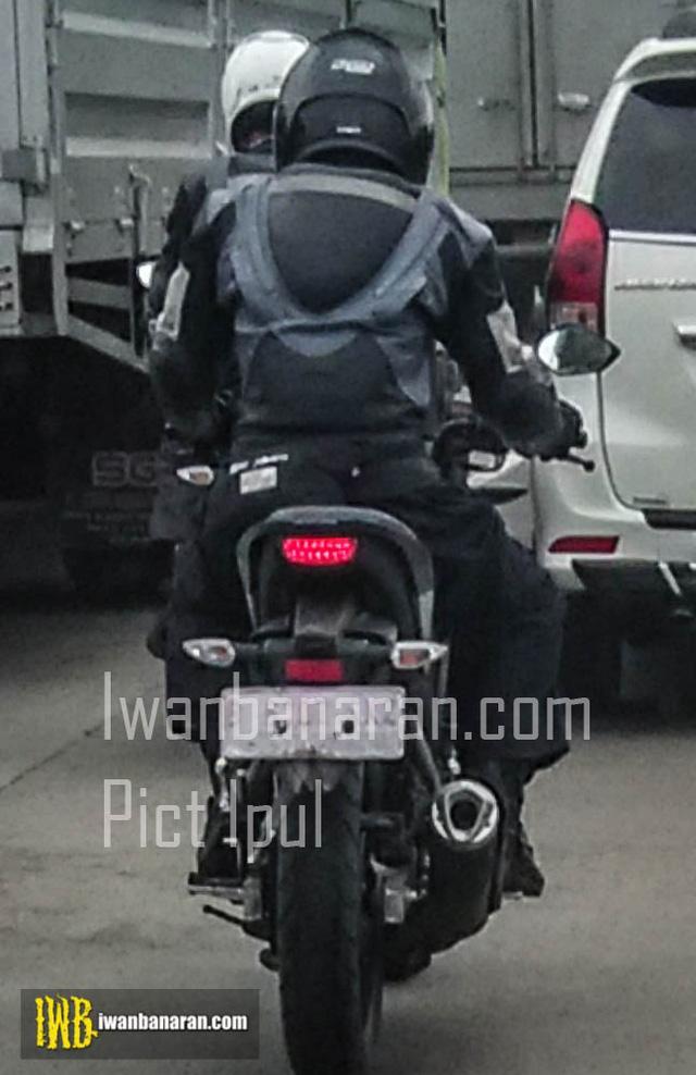 Bắt gặp xe côn tay Yamaha V-Ixion 2017 trên đường phố - Ảnh 1.