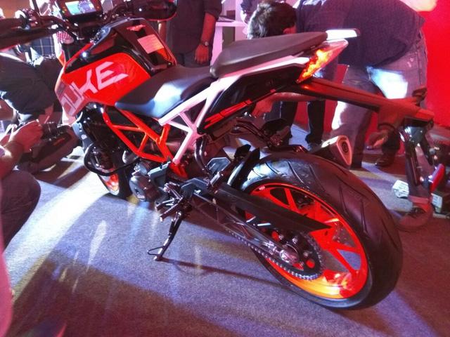 Naked bike KTM Duke 390 2017 ra mắt Ấn Độ với giá 77 triệu Đồng - Ảnh 4.