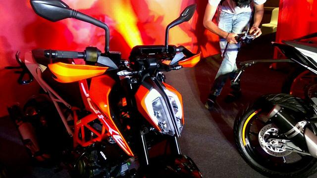 Naked bike KTM Duke 390 2017 ra mắt Ấn Độ với giá 77 triệu Đồng - Ảnh 7.