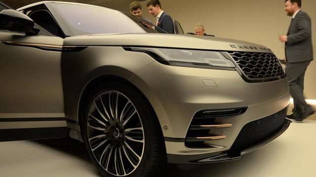 Ngắm Range Rover Velar bằng xương, bằng thịt, cạnh tranh Porsche Macan - Ảnh 12.