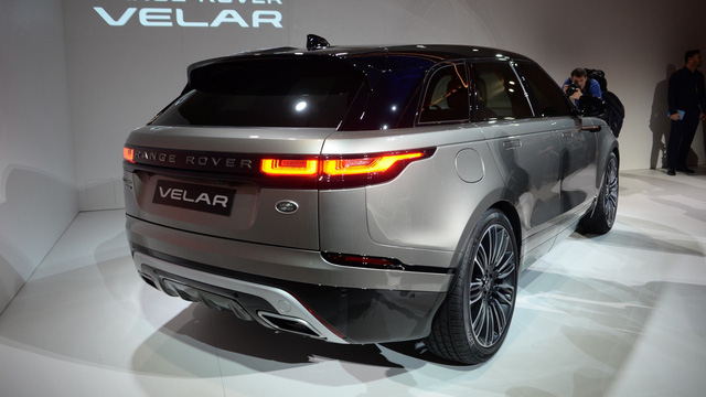 Ngắm Range Rover Velar bằng xương, bằng thịt, cạnh tranh Porsche Macan - Ảnh 14.