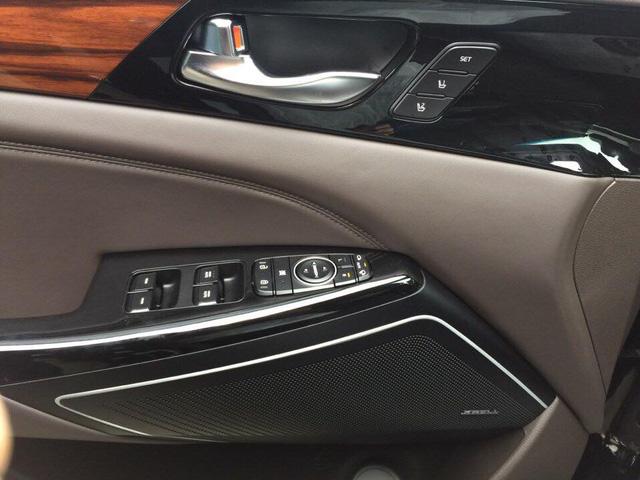 Sedan cao cấp Kia K7 2017 xuất hiện tại Việt Nam, giá khoảng 1,8 tỷ Đồng - Ảnh 8.