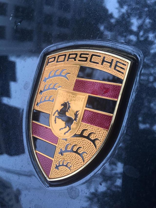 Bắt gặp Porsche Panamera Turbo 2017 giá hơn 12 tỷ Đồng trên đường Hà Nội - Ảnh 4.