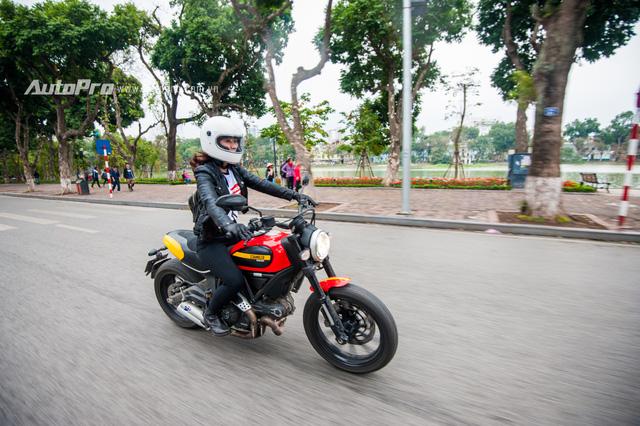 Hà Nội: Dàn nữ biker xuống phố ngày 8/3 - Ảnh 4.