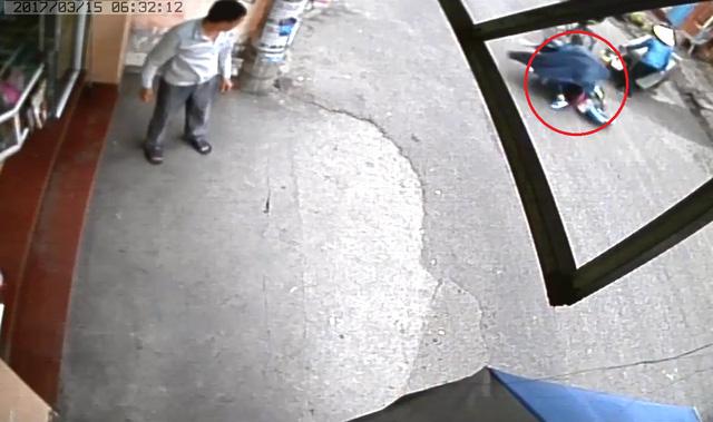 Video một người bị xe máy đè lên trong vụ tai nạn tại Hải Phòng - Ảnh 2.