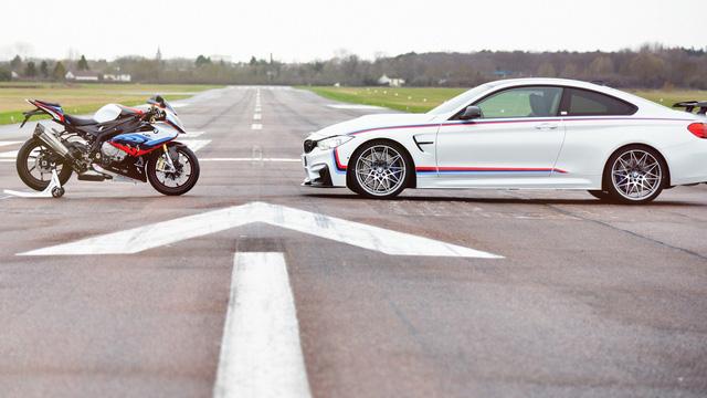 Mua BMW M4 đặc biệt được cho không siêu mô tô S1000RR 2017 và đồng hồ đeo tay - Ảnh 10.