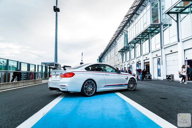 Mua BMW M4 đặc biệt được cho không siêu mô tô S1000RR 2017 và đồng hồ đeo tay - Ảnh 7.