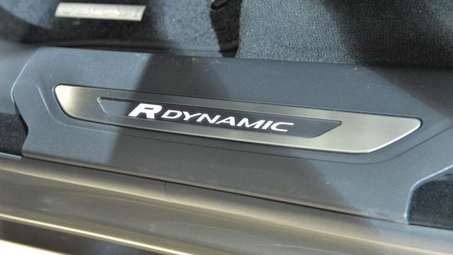 Chi tiết phiên bản đặc biệt đầu tiên của SUV hạng sang Range Rover Velar - Ảnh 4.
