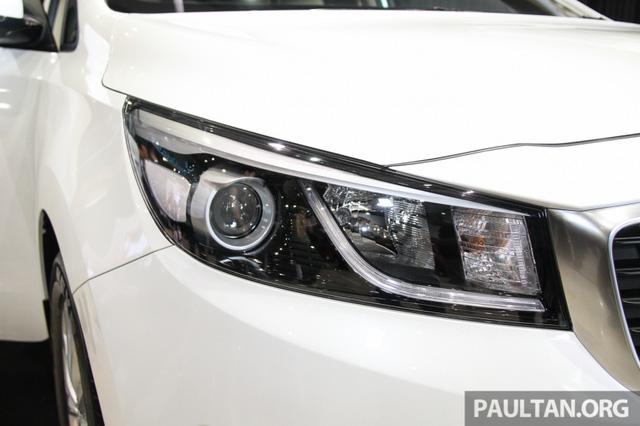 Cận cảnh Kia Sedona 8 chỗ, rẻ hơn xe ở Việt Nam - Ảnh 5.