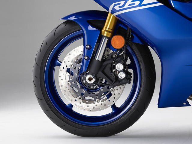 Mô tô thể thao Yamaha YZF-R6 2017 yếu hơn phiên bản cũ - Ảnh 2.