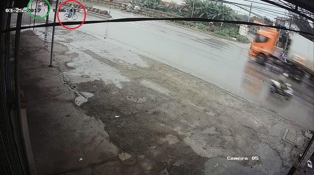 Video cô gái gây tai nạn cho người phụ nữ đạp xe qua đường rồi bỏ đi gây tranh cãi - Ảnh 4.