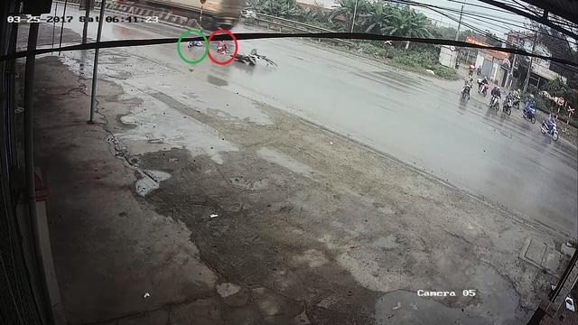 Video cô gái gây tai nạn cho người phụ nữ đạp xe qua đường rồi bỏ đi gây tranh cãi - Ảnh 6.