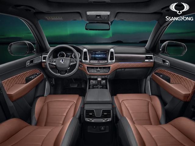 Ssangyong Rexton 2017 - SUV cỡ lớn tham vọng cạnh tranh với Land Rover Discovery - Ảnh 2.