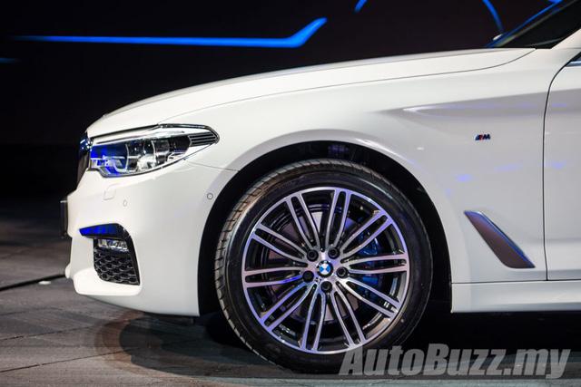 BMW 5-Series thế hệ mới chính thức ra mắt Đông Nam Á, giá từ 2,05 tỷ Đồng - Ảnh 7.