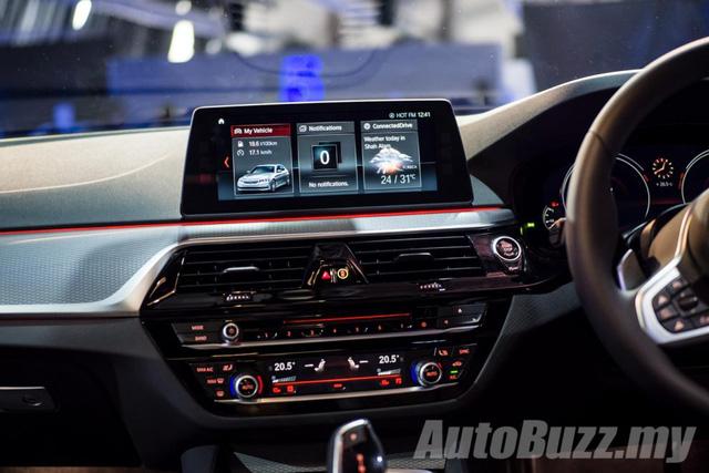 BMW 5-Series thế hệ mới chính thức ra mắt Đông Nam Á, giá từ 2,05 tỷ Đồng - Ảnh 10.