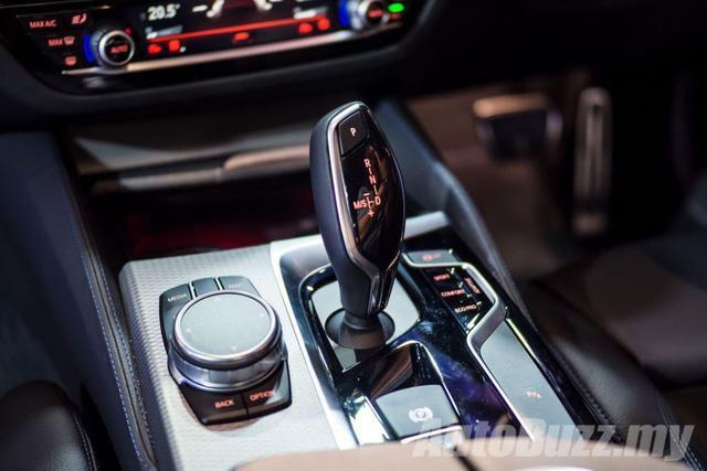 BMW 5-Series thế hệ mới chính thức ra mắt Đông Nam Á, giá từ 2,05 tỷ Đồng - Ảnh 14.