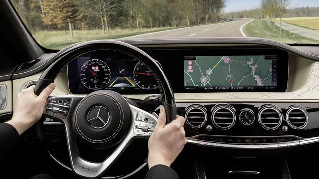 Nội thất sang chảnh của Mercedes-Benz S-Class 2018 gián tiếp được hé lộ - Ảnh 1.