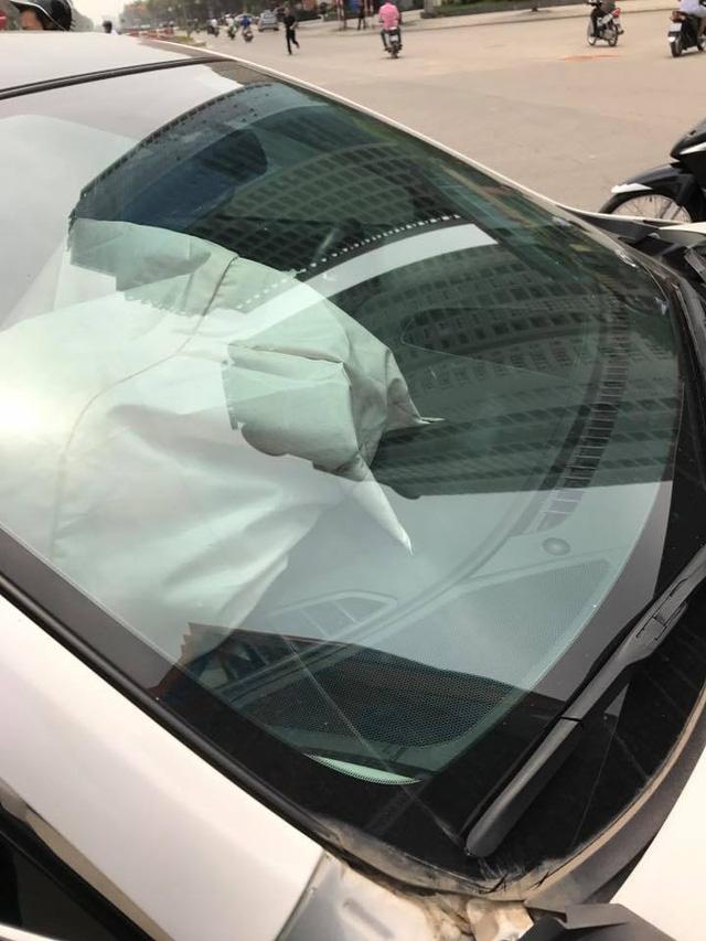 Hà Nội: Nữ tài xế lái Mazda6 đâm lật Toyota Land Cruiser Prado - Ảnh 4.
