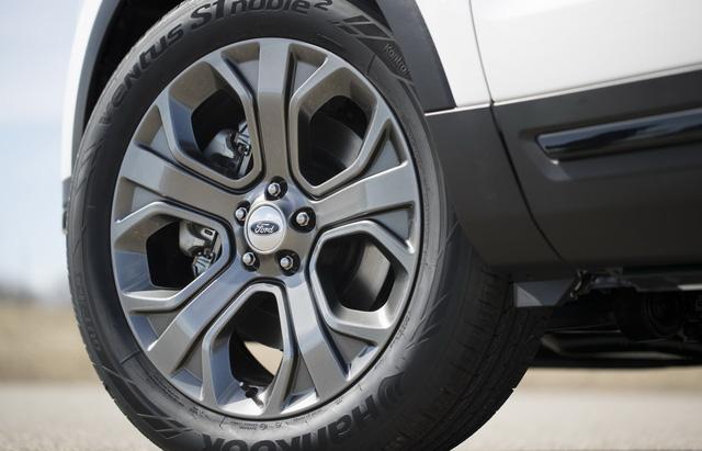 Ford Explorer 2018 trình làng, tiện nghi và an toàn hơn - Ảnh 3.