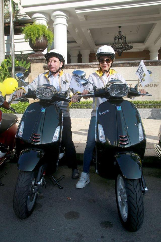 Dương Tử Quỳnh tham dự diễu hành bằng xe Vespa để tuyên truyền an toàn giao thông tại Việt Nam - Ảnh 4.