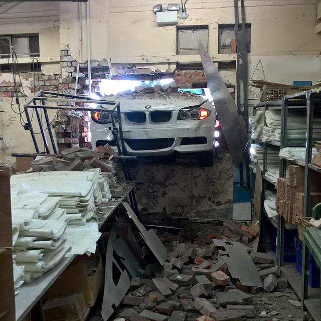 Hình ảnh vụ tai nạn của BMW 1-Series khiến nhiều người tưởng là hư cấu - Ảnh 2.