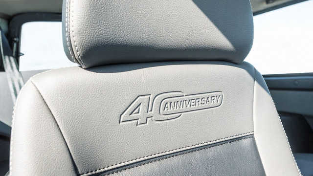 Xe việt dã 40 năm tuổi Lada 4x4 có phiên bản đặc biệt mới - Ảnh 4.