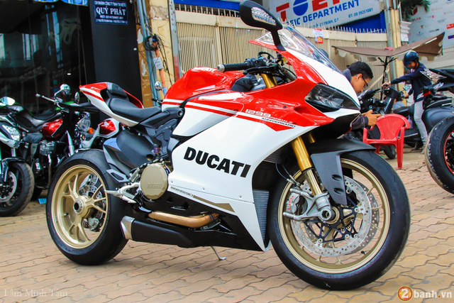 Cận cảnh siêu mô tô Ducati 1299 Panigale S Anniversario đầu tiên tại Việt Nam - Ảnh 1.
