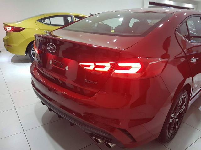Hyundai Elantra Sport 2017 rục rịch ra mắt Đông Nam Á - Ảnh 5.