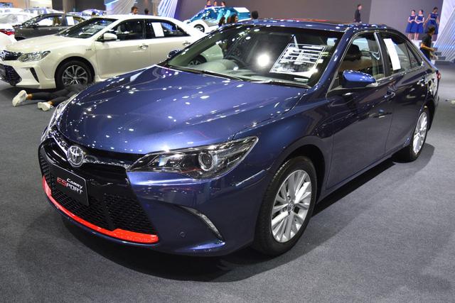 Làm quen với Toyota Camry phiên bản thể thao hơn, giá từ 1,081 tỷ Đồng - Ảnh 1.