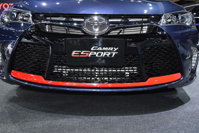 Làm quen với Toyota Camry phiên bản thể thao hơn, giá từ 1,081 tỷ Đồng - Ảnh 2.