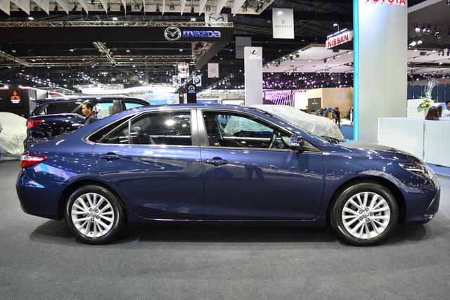 Làm quen với Toyota Camry phiên bản thể thao hơn, giá từ 1,081 tỷ Đồng - Ảnh 4.