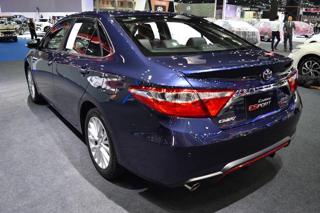 Làm quen với Toyota Camry phiên bản thể thao hơn, giá từ 1,081 tỷ Đồng - Ảnh 5.