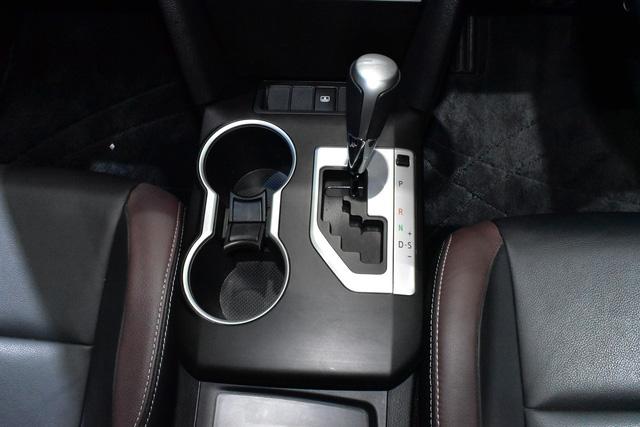Làm quen với Toyota Camry phiên bản thể thao hơn, giá từ 1,081 tỷ Đồng - Ảnh 6.