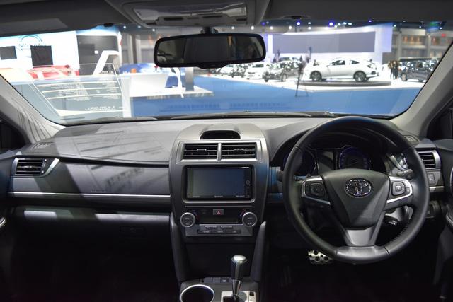 Làm quen với Toyota Camry phiên bản thể thao hơn, giá từ 1,081 tỷ Đồng - Ảnh 8.