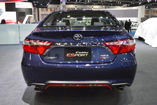 Làm quen với Toyota Camry phiên bản thể thao hơn, giá từ 1,081 tỷ Đồng - Ảnh 11.