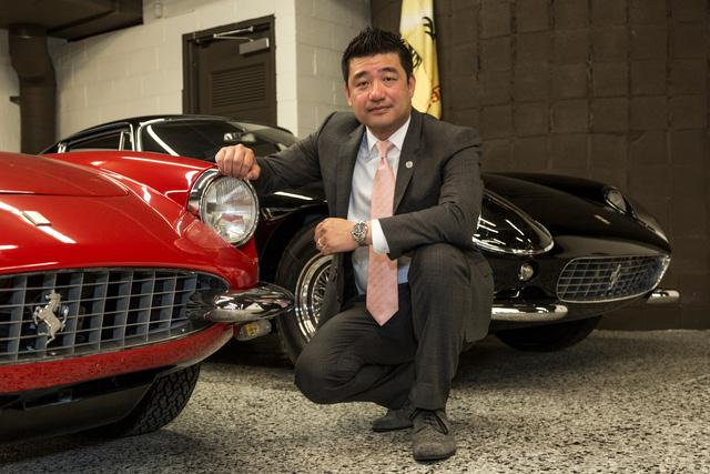 Cận cảnh siêu xe Ferrari F12tdf có một không hai của ông chủ hãng trang sức - Ảnh 1.