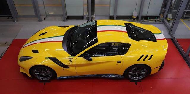 Cận cảnh siêu xe Ferrari F12tdf có một không hai của ông chủ hãng trang sức - Ảnh 10.