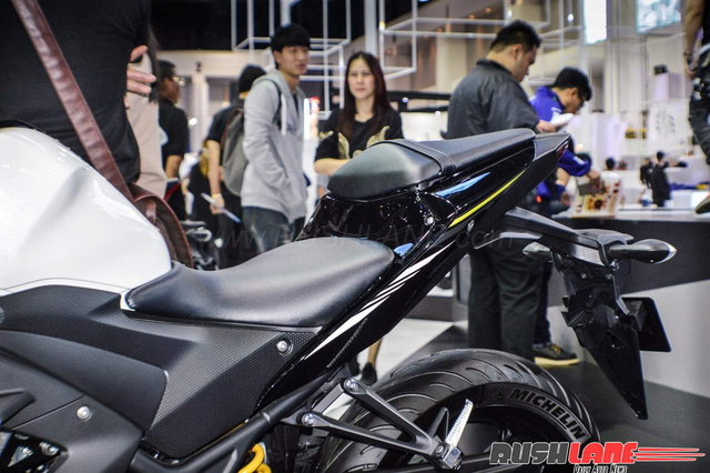 Cận cảnh Yamaha R3 2017 màu trắng và đen nhám mới tại Đông Nam Á - Ảnh 11.