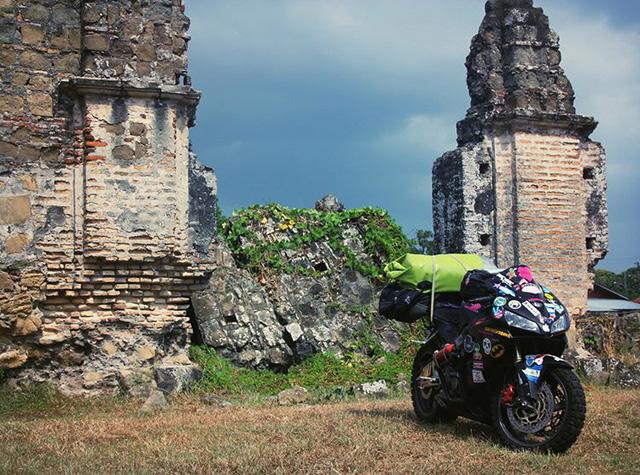 Làm quen với cô gái một mình đi vòng quanh thế giới bằng Honda CBR600RR - Ảnh 3.