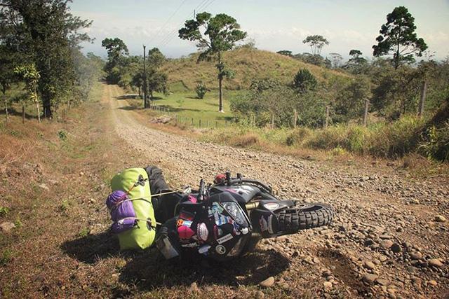 Làm quen với cô gái một mình đi vòng quanh thế giới bằng Honda CBR600RR - Ảnh 10.