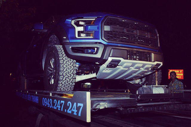 Khui công xe bán tải khủng long Ford F-150 Raptor 2017 tại Việt Nam - Ảnh 6.