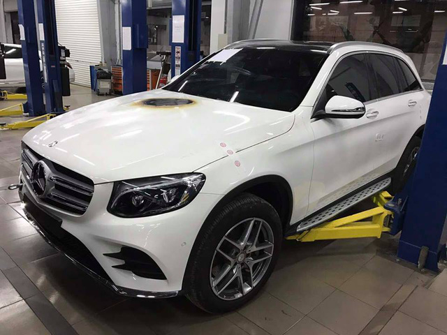 Mercedes-Benz Việt Nam nói gì về vụ khoang động cơ của GLC300 bốc cháy? - Ảnh 1.