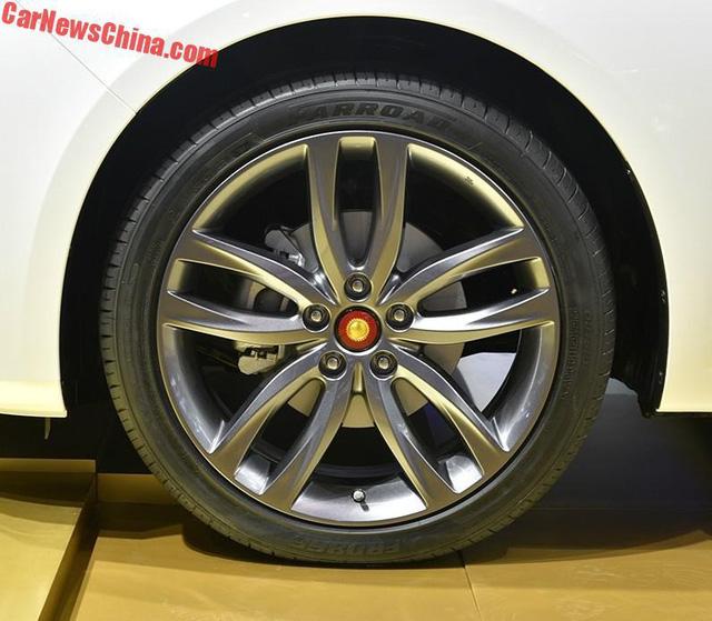Cận cảnh Hồng Kỳ H5 - phiên bản sang hơn của Mazda6 - Ảnh 4.