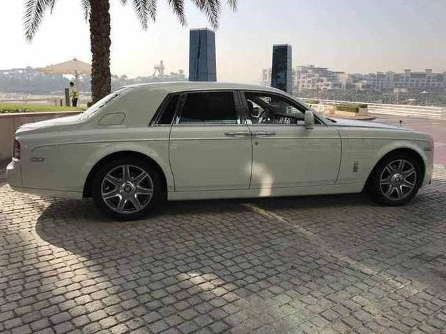 Chiếc Rolls-Royce Phantom đeo biển số trị giá hơn 199 tỷ Đồng lộ diện - Ảnh 4.