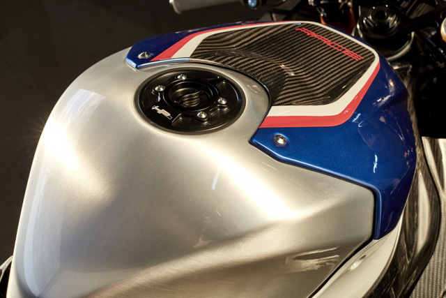 BMW HP4 Race 2017 - Mô tô phân khối lớn siêu nhẹ và công nghệ cao - Ảnh 5.
