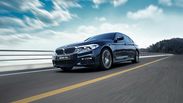 Chi tiết xe sang khiến nhiều người phát thèm BMW 5-Series Li 2017 - Ảnh 1.