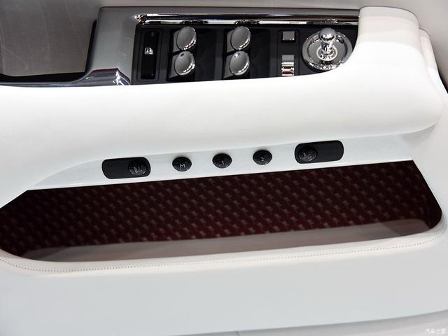 Thiếu gia con nhà tỷ phú mua 2 xe Rolls-Royce trong 1 triển lãm - Ảnh 12.