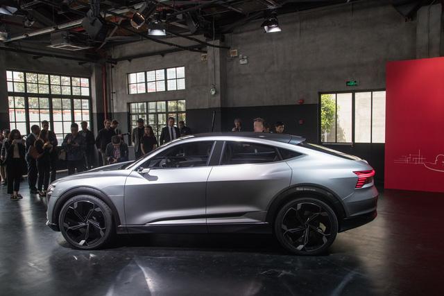 Audi E-Tron Sportback - Đối thủ mới của SUV hạng sang BMW X6 - Ảnh 3.
