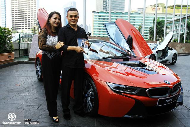BMW i8 phiên bản đỏ rực về tay đại gia Indonesia, dân chơi Việt phát thèm - Ảnh 1.